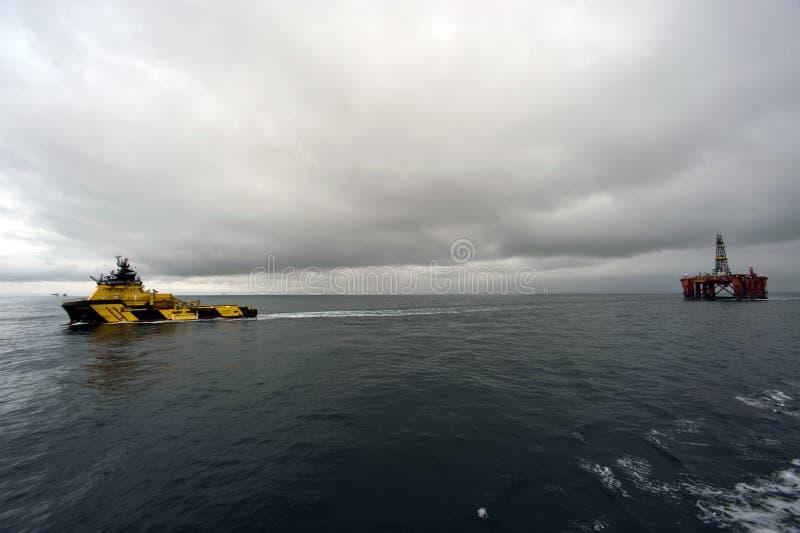 27 12 remorquage 2014 d'†«de dauphin de Byford images libres de droits