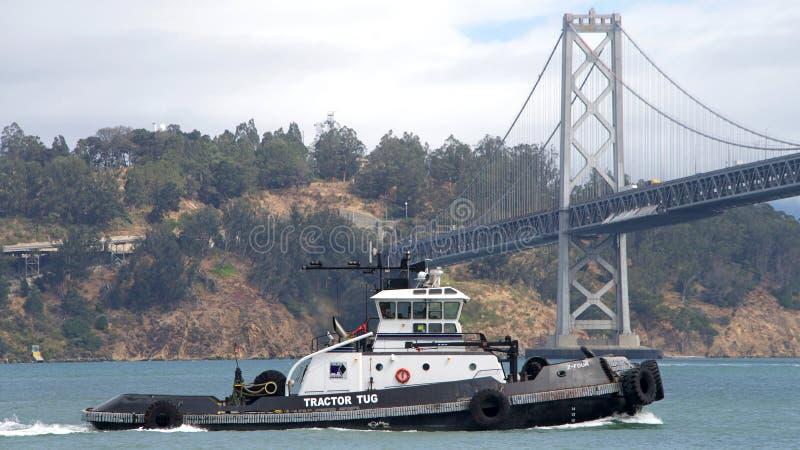 Remorqueur Z-FOUR dans le San Francisco Bay images libres de droits