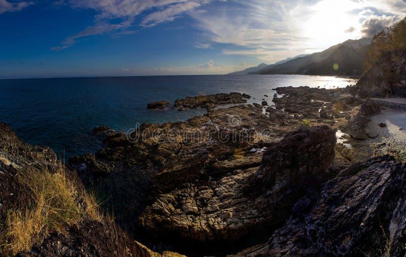 Remote Rocky Shoreline Free Public Domain Cc0 Image