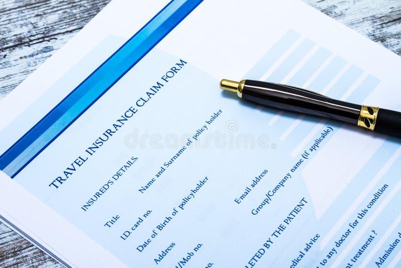 Remplir formulaire de réclamation d'assurance de voyage image libre de droits