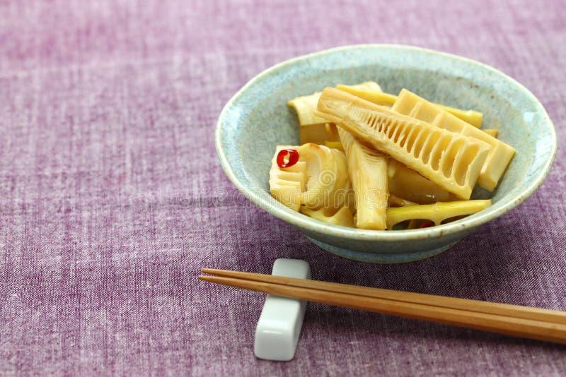 Remuez les pousses de bambou frites de Madake photographie stock libre de droits