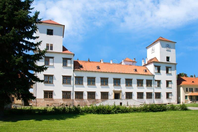 RenässansBucovice slott, Moravia, Tjeckien royaltyfri fotografi