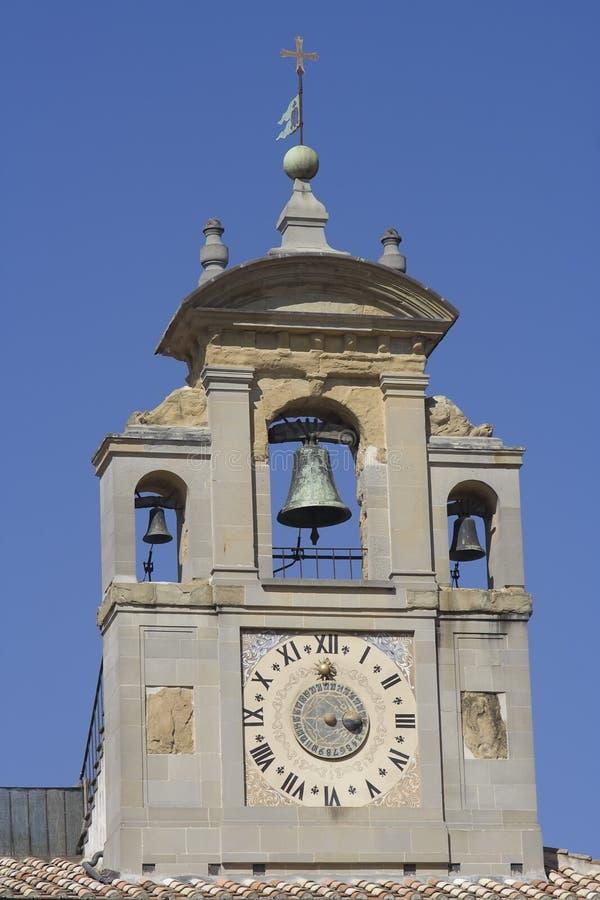 Renaissance-Glockenturm in Arezzo lizenzfreie stockbilder