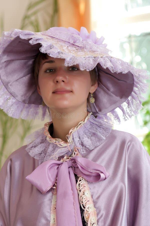 Download Renascence vrouw stock afbeelding. Afbeelding bestaande uit kostuum - 10780191