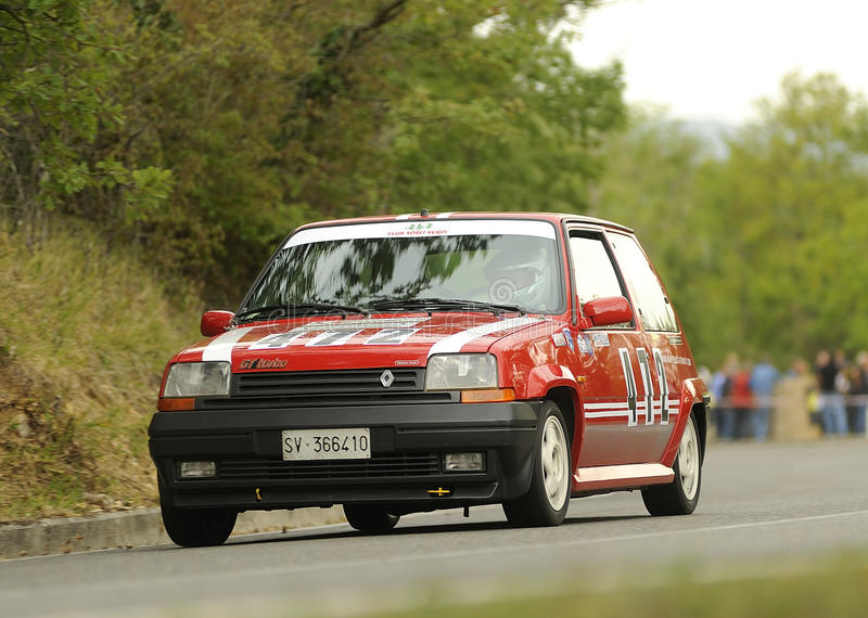 Renault 5 GT Turbo images stock