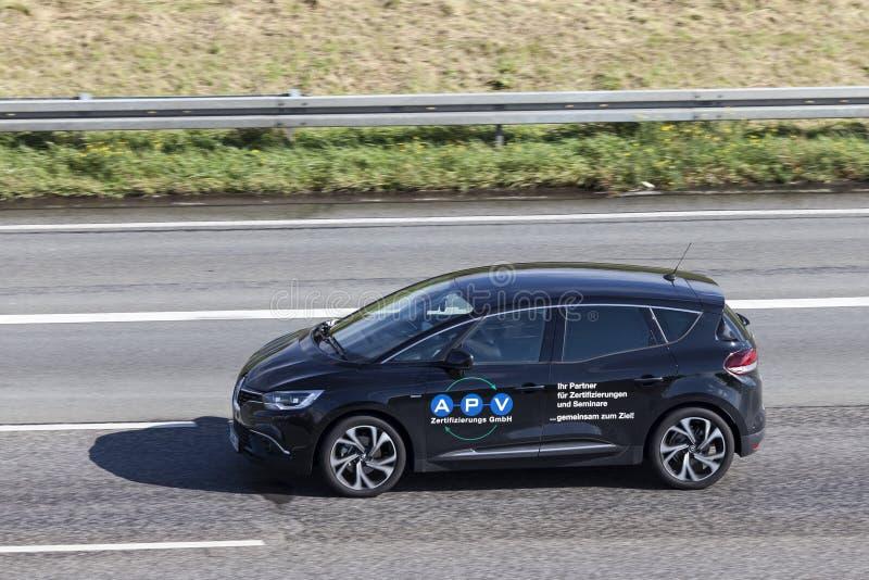 Renault Scenic sur la route images libres de droits