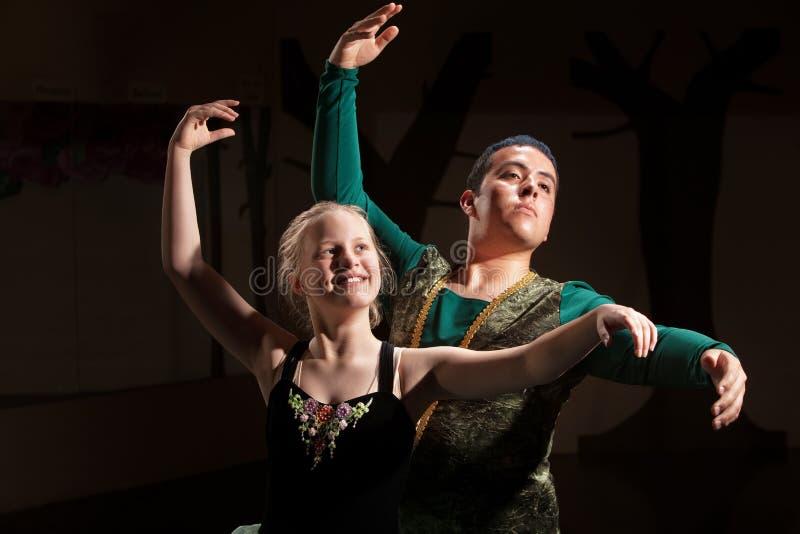 Rendement de ballet de duo images libres de droits