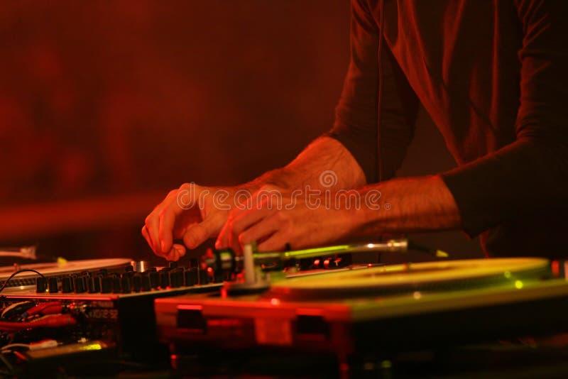 Rendement du DJ photographie stock libre de droits