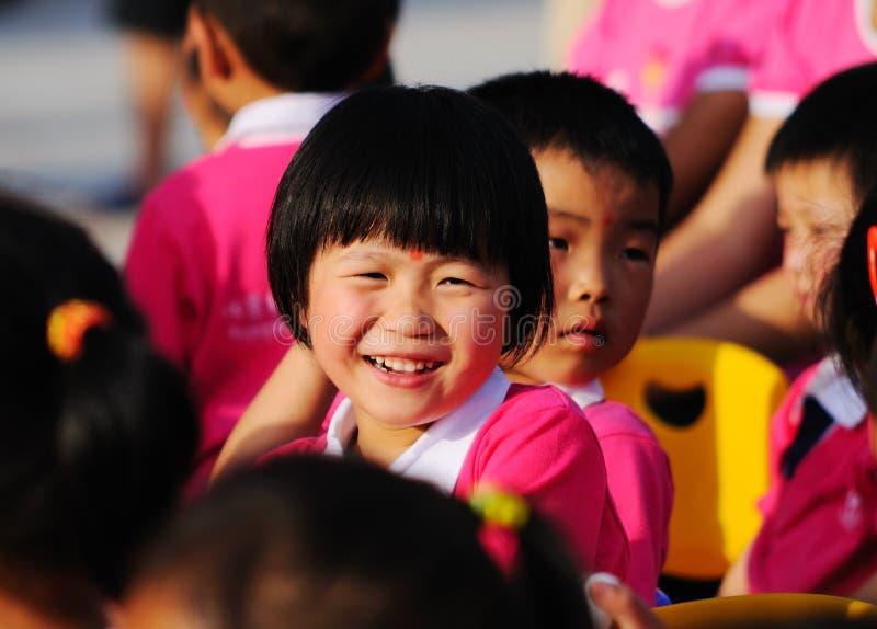 Rendement du jour des enfants images libres de droits