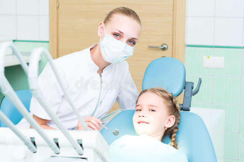 Rendre visite au dentiste photos stock