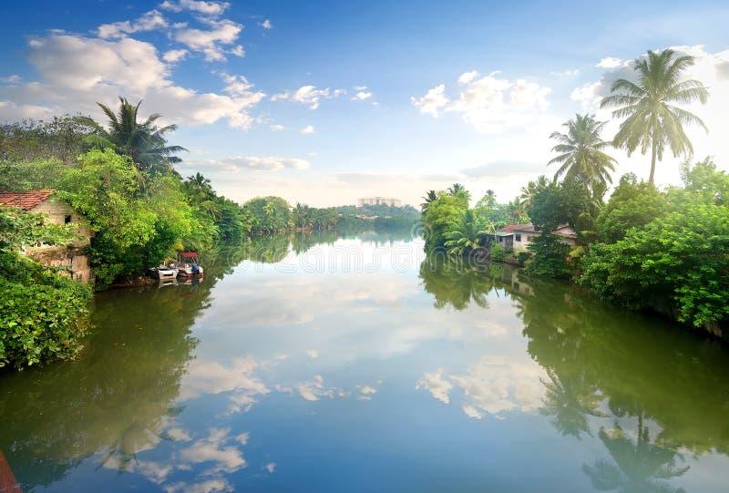 renferme le fleuve photo libre de droits