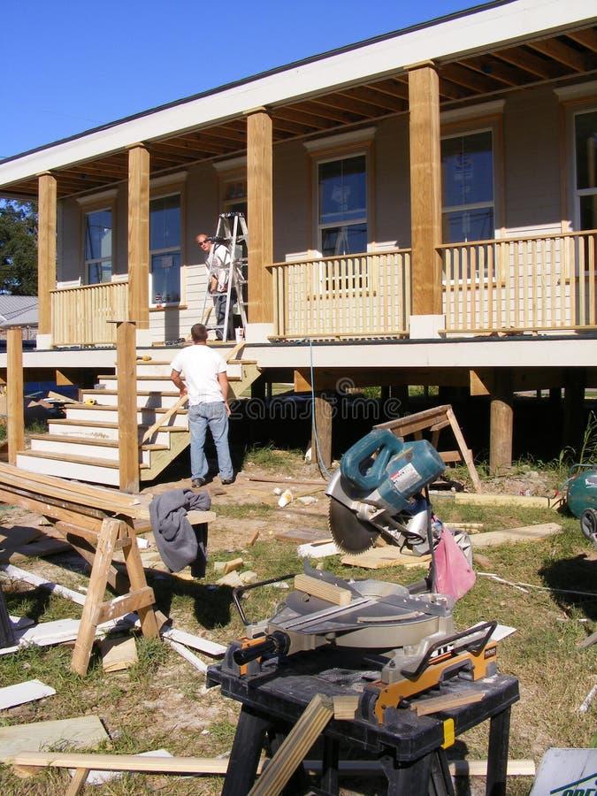 Renforcement de construction à la maison une nouvelle maison photographie stock libre de droits