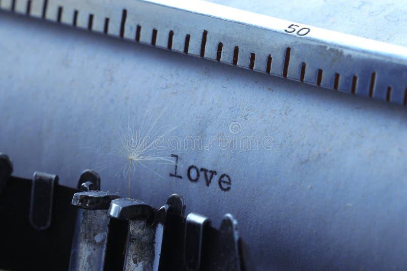 rengöringsduk för universal för mall för sida för förälskelse för inskrift för bakgrundskorthälsning arkivfoto