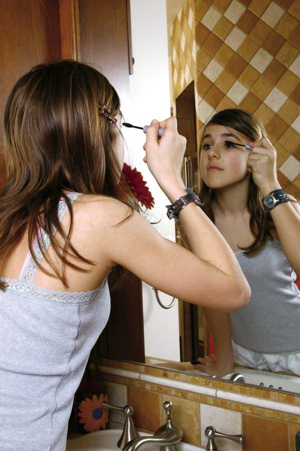 renivellement de fille d'adolescent images stock
