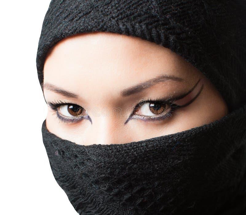 Renivellement oriental, verticale de femme asiatique de kazakh avec le renivellement professionnel images stock