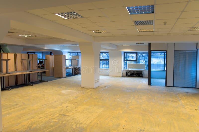 Renovação do espaço de escritórios foto de stock