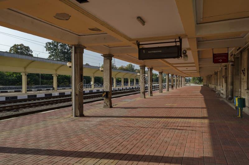 Renovación de la vieja estación del ferrocarril, Ruse, Bulgaria foto de archivo libre de regalías