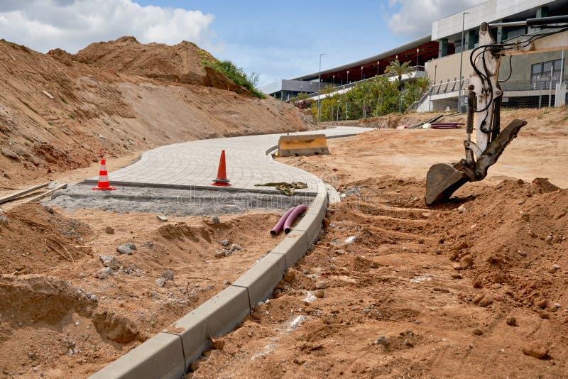 Renovering av Walk vägzonen i stad parkerar arkivbild