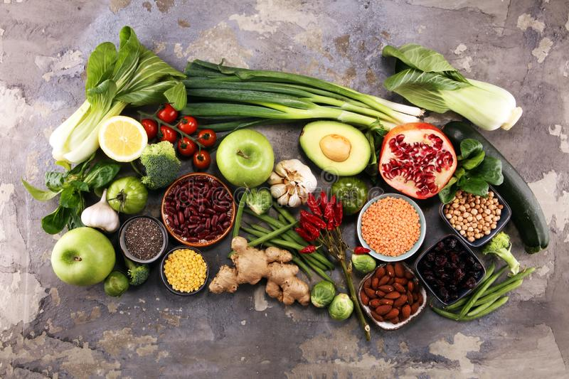 Rent ätaval för sund mat E arkivfoton