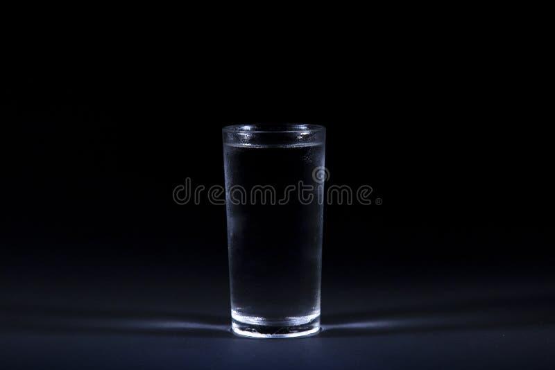 Rent kallt dricksvattenexponeringsglas royaltyfri foto