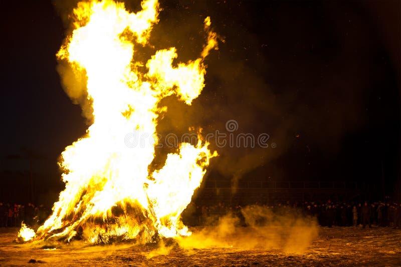 Download Rentvå Brand För Orientaliskt Nytt år Redaktionell Bild - Bild av polis, nytt: 37345936
