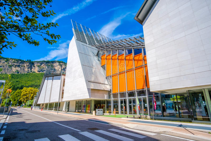Renzo Piano ` s muzy nowożytny muzeum historia naturalna w Trento Włochy obrazy stock