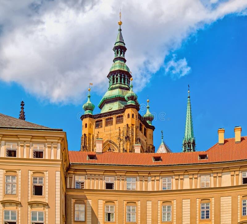 República checa Castelo de Praga - arquitetura gótico da catedral do st Vitus imagens de stock