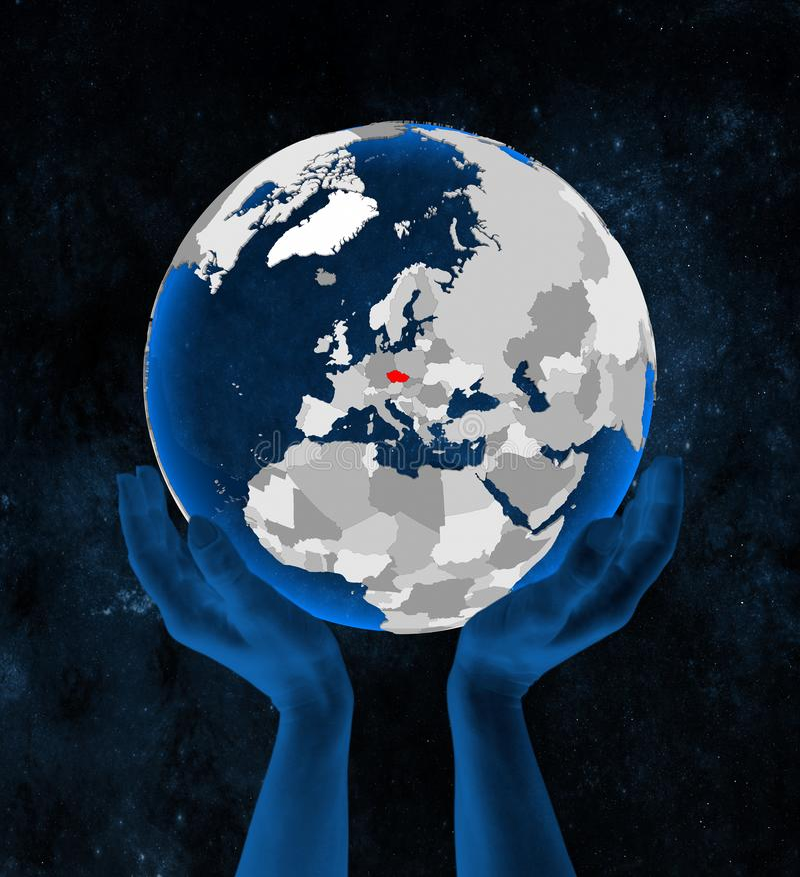 República Checa en el globo en manos ilustración del vector