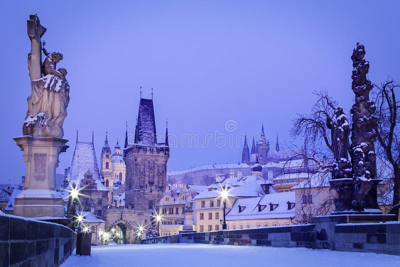 Download República Checa, Pague, Charles Bridge Imagen de archivo - Imagen de holiday, navidad: 42444913