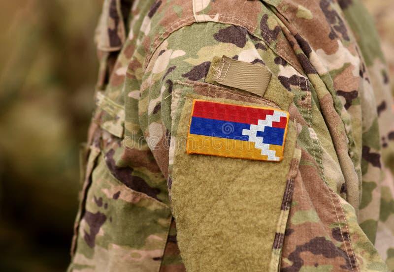 A república da bandeira de Artsakh em soldados arma-se Collag das tropas de Artsakh fotos de stock