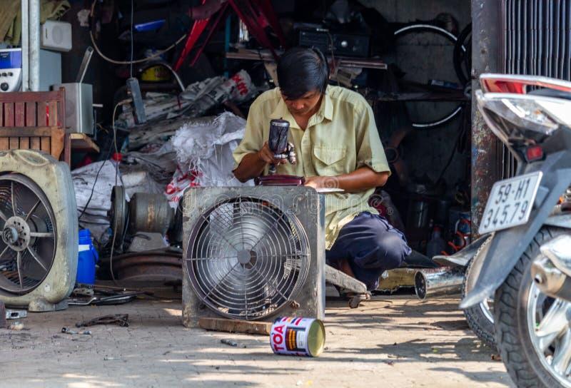 Repairer Вьетнам Хошимин улицы стоковое изображение