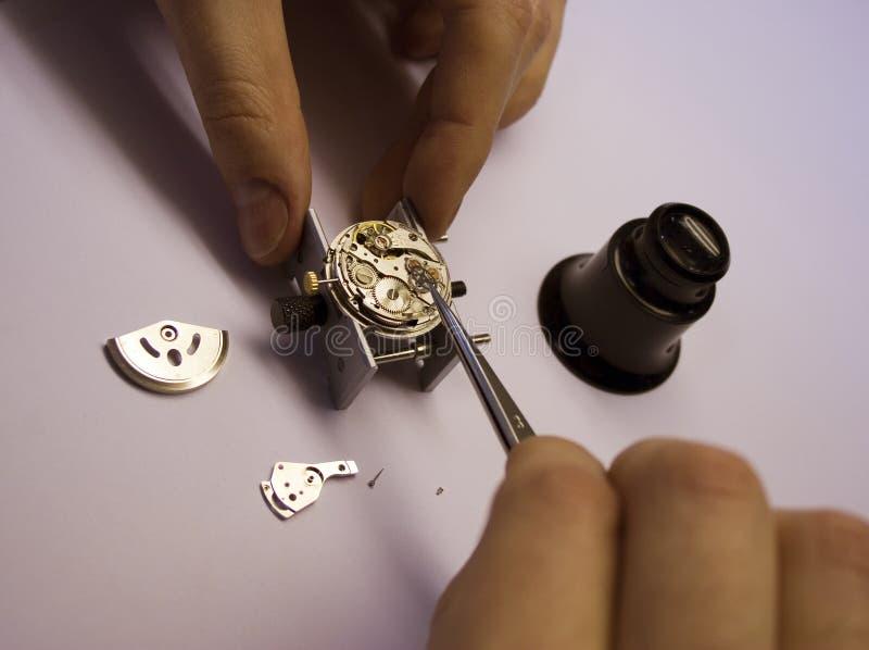 Reparación del reloj imágenes de archivo libres de regalías