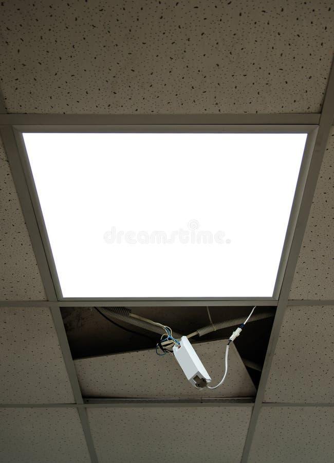 Reparatie en installatie van fluorescente lampmateriaal in het bureau royalty-vrije stock foto