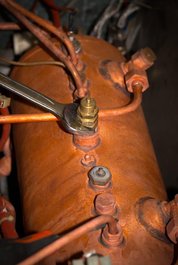Reparatie van espressomachine stock fotografie