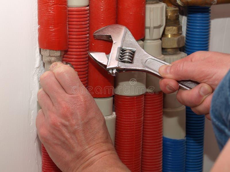 Reparatur der Rohre lizenzfreie stockfotografie