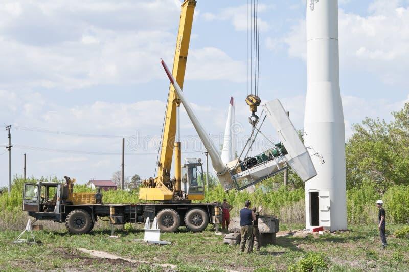 Reparatur der Windkraftanlage stockbild