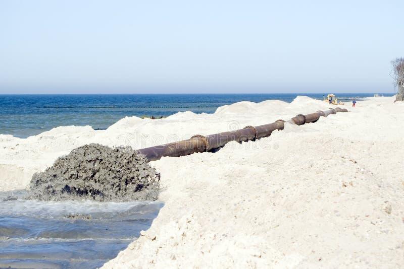 Reparatur des Strandes. stockfoto