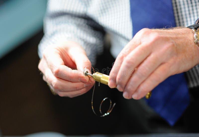 Reparatur von alten Uhren lizenzfreies stockbild
