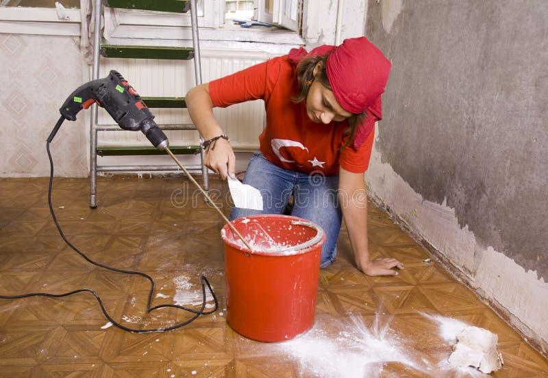 Reparaturen in der Wohnung stockfoto