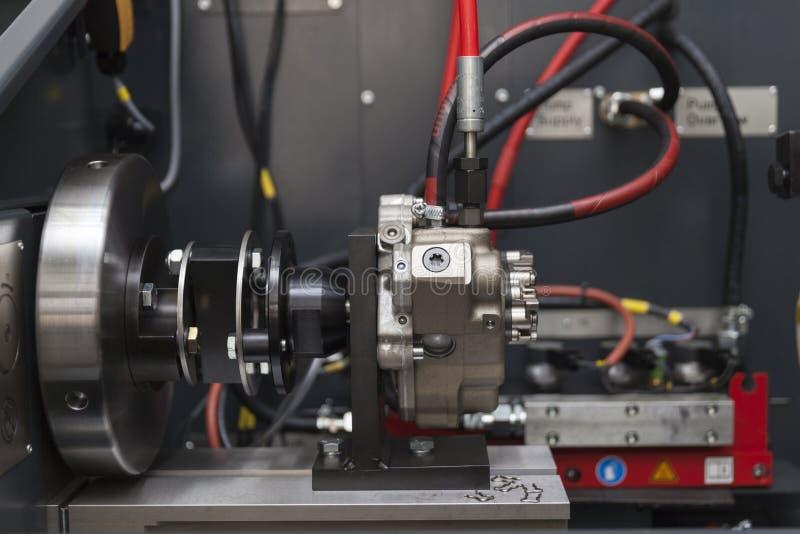 Download Repare Bocais Para Os Motores Diesel Foto de Stock - Imagem de equipamento, mecânico: 80100288