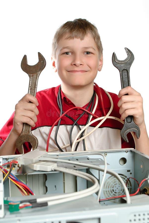 Reparera din dator. royaltyfri fotografi