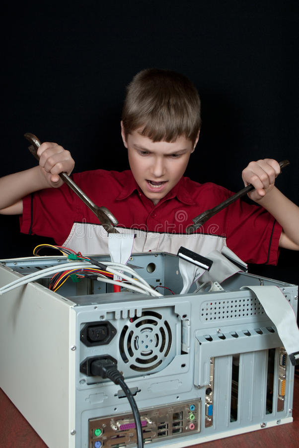 Reparera din dator. royaltyfria foton
