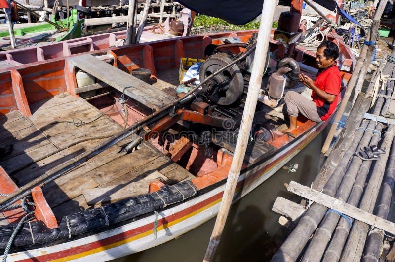 Reparera fartyget arkivbilder