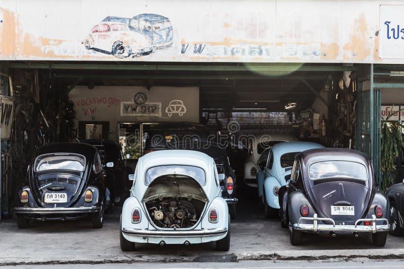 Reparo da garagem dos besouros da VW fotos de stock royalty free