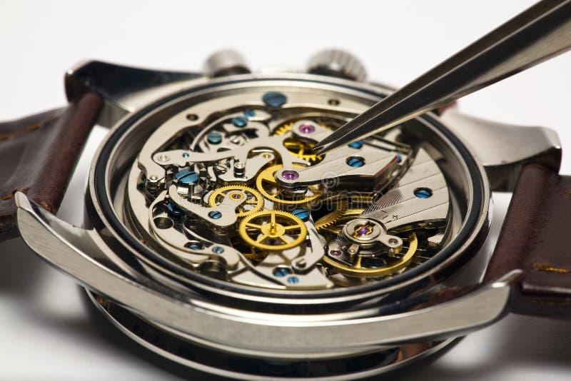Reparo moderno do relógio foto de stock royalty free