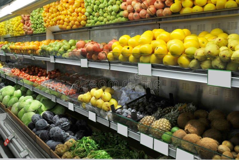 Reparto dell'alimento in supermercato fotografia stock
