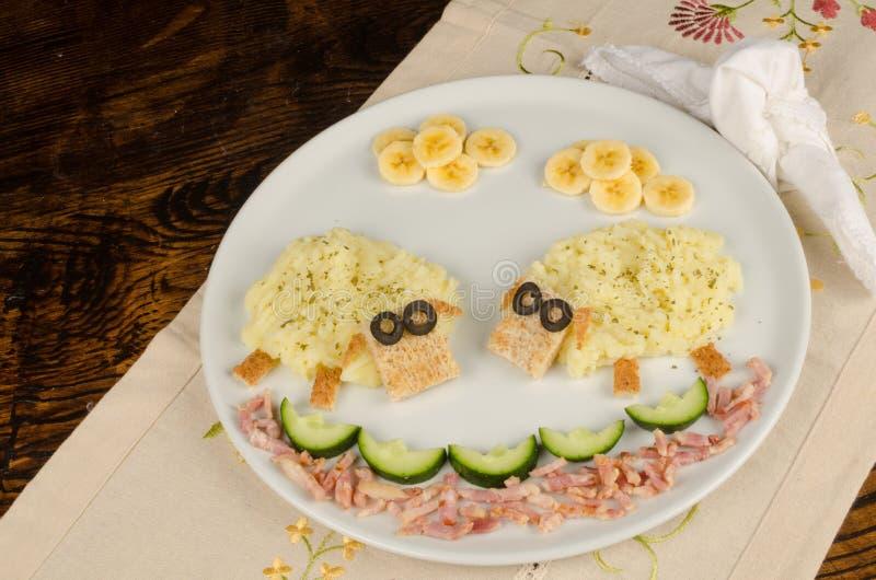repas d 39 enfant de pur e de pommes de terre photo stock image 37862590. Black Bedroom Furniture Sets. Home Design Ideas