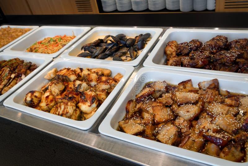 Repas de buffet de service d'individu, affaires de restauration photo libre de droits