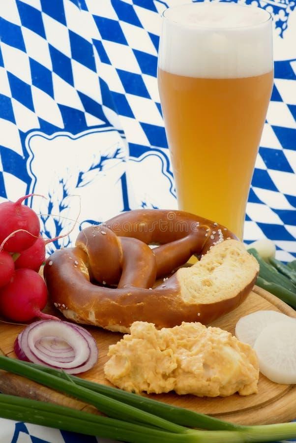 Repas de jardin de bière image libre de droits