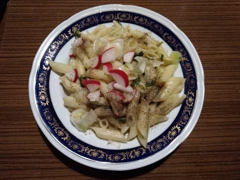 Repas de Vegan avec des macaronis photo libre de droits